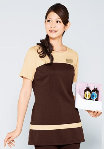 茶×ライトベージュの着用例