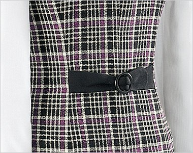 丸いバックルの背ベルトが可愛さをアップ!背中のラインに沿ったパターンで姿勢をサポートします。