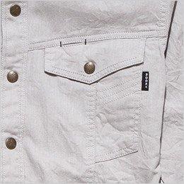 左右の胸ポケット(左胸だけペン差しポケットがあり)