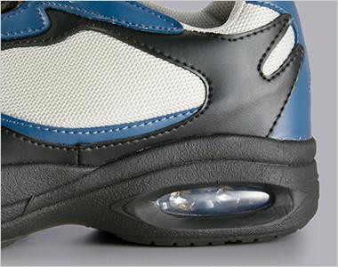 EVAミッドソールは厚底仕様で高い衝撃吸収性を発揮します。